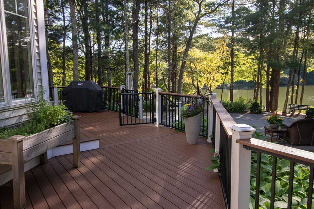featured-plymouth-wholehouse-deck16-min