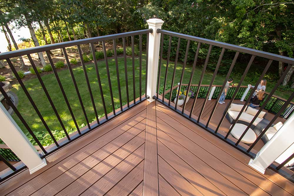 featured-plymouth-wholehouse-deck7-min