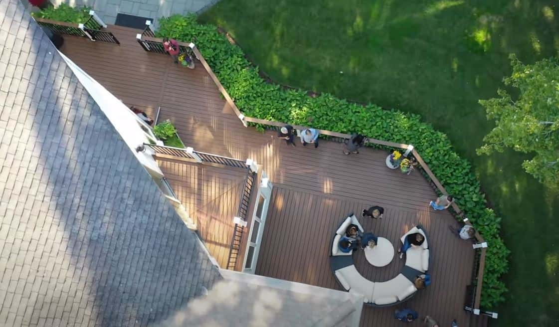 deck and balcony contractor